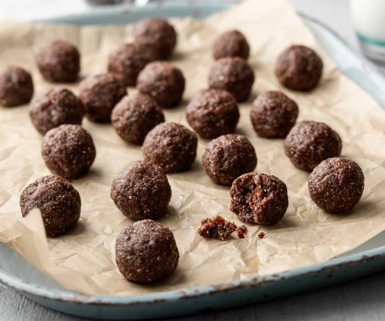 Chocolate Hazelnut Energy Balls