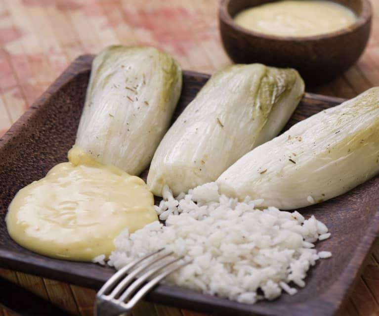 Chicorée mit Reis und Zitronensauce