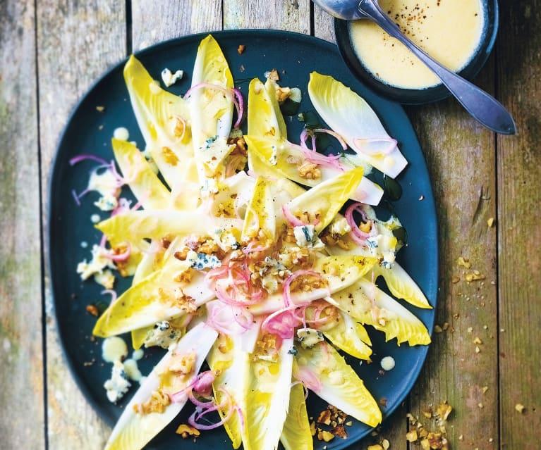 Salade d'endives au bleu, vinaigrette crémeuse