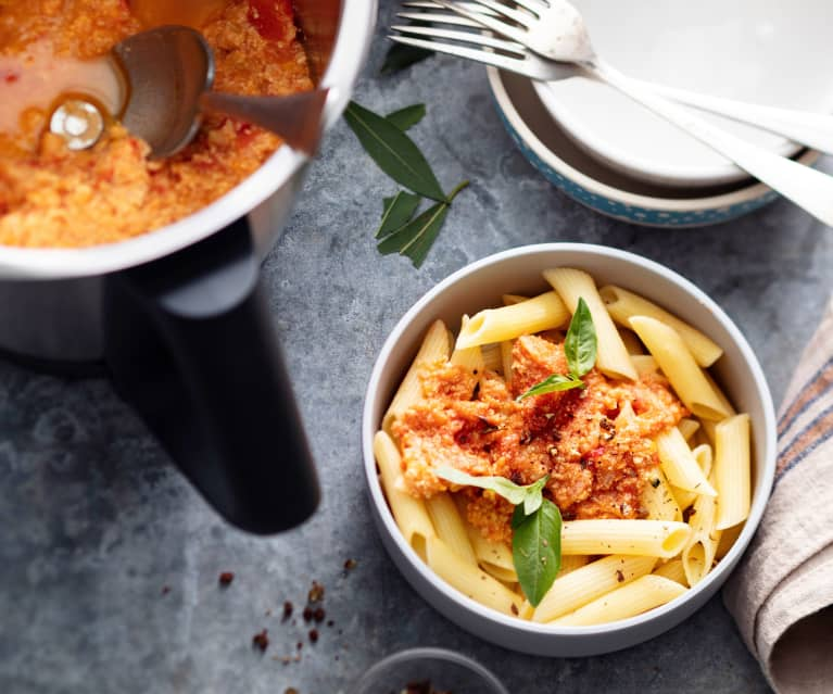Baby-friendly Turkey and Red Pepper Bolognese