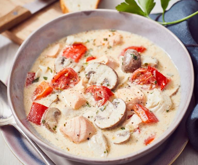 Gemüse-Fischeintopf mit Messerabdeckung