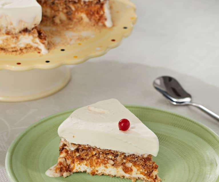 Tarta helada de nata con praliné de almendras
