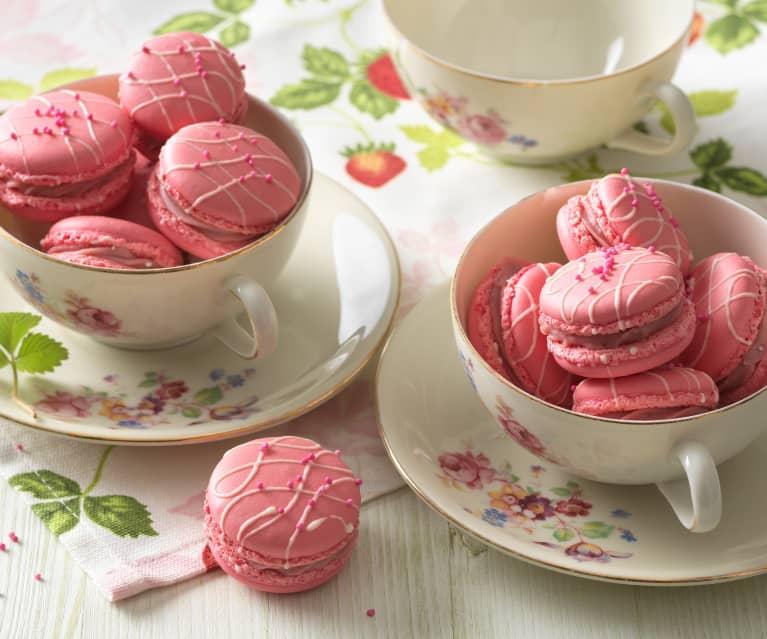 Rosa Macarons mit Erdbeer-Ganache