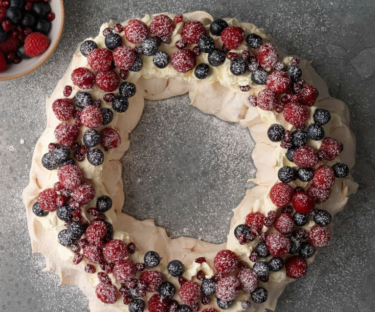 Berry Christmas Pavlova Wreath
