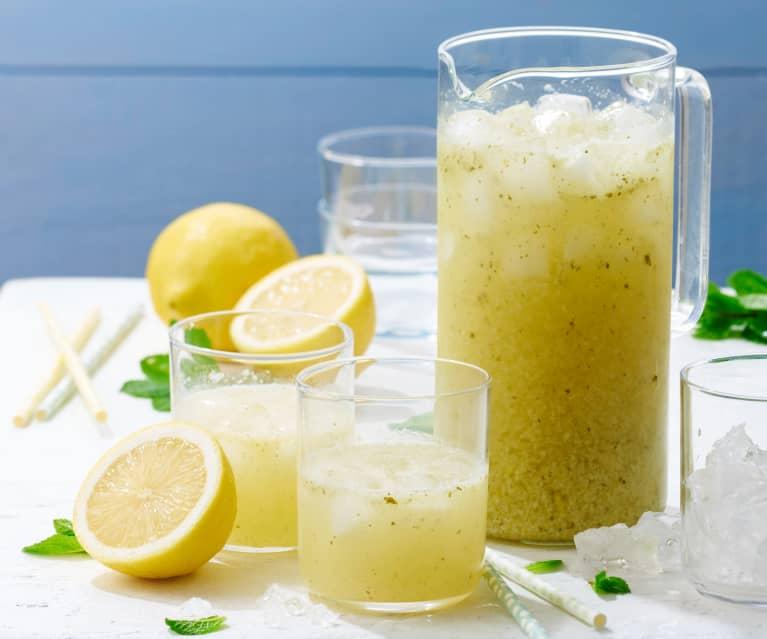 Citronnade à la menthe et au miel