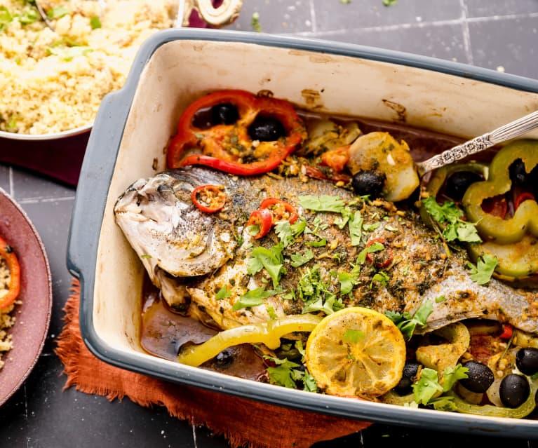 Tajine de poisson au four à la marocaine avec couscous aux dattes