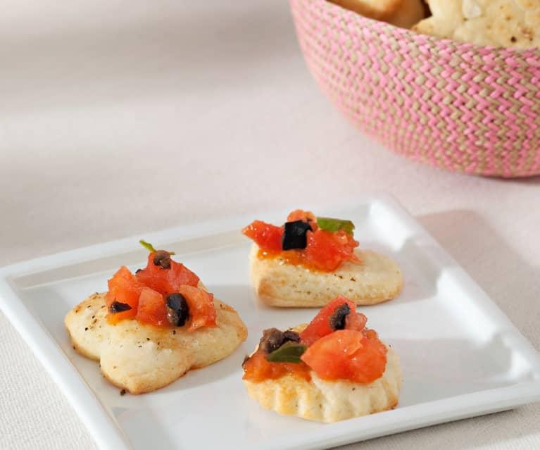 Galletas de queso y vinagreta de tomate