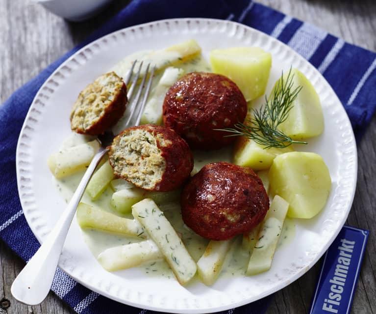 Fischfrikadellen mit Kartoffeln, Kohlrabi und Dill-Sauce