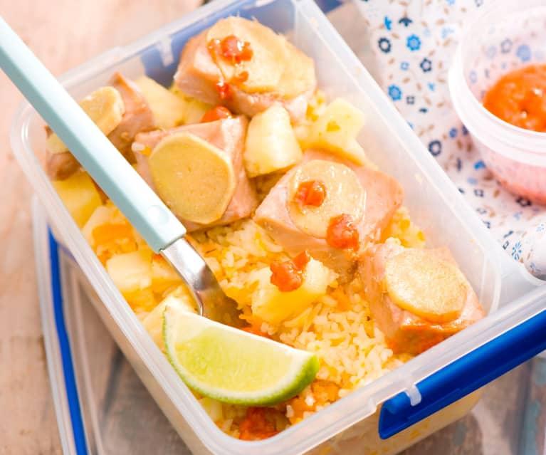 Ryż z ananasem i łososiem na ostro