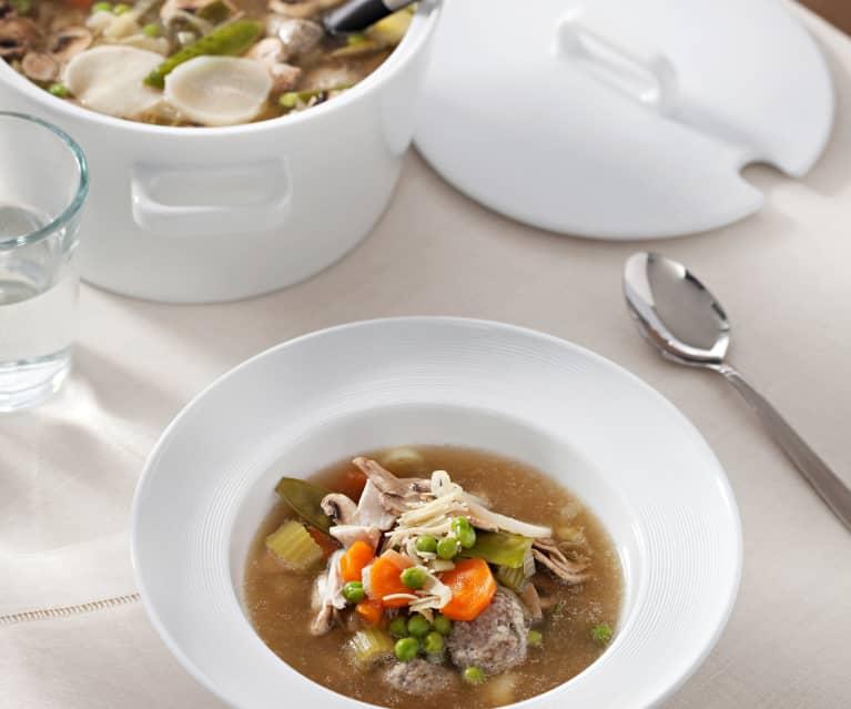 Sopa alemana de verduras con albóndigas