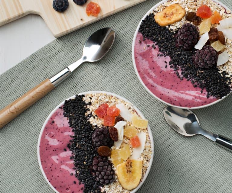 Smoothie bowl de yogur y remolacha