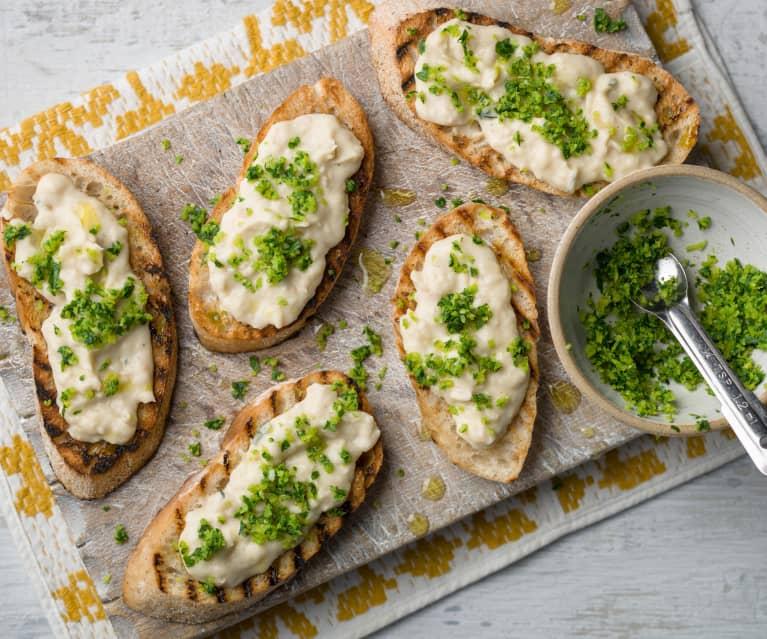 Bruschetta with White Bean Purée and Gremolata - Bruschetta con crema di fagioli bianchi e gremolata