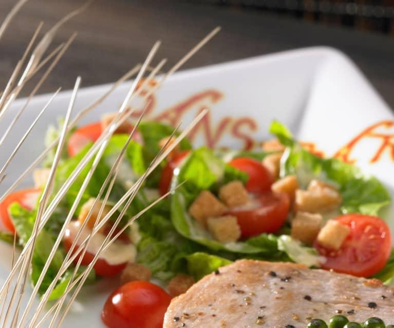 Caesar Salad zu Thunfischsteak mit Pfeffersauce