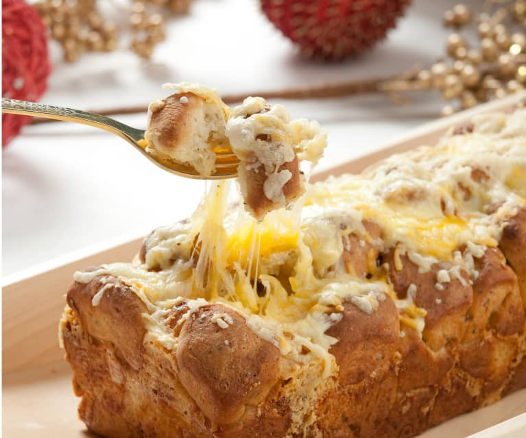 Pan de queso dorado (Golden cheese bread)