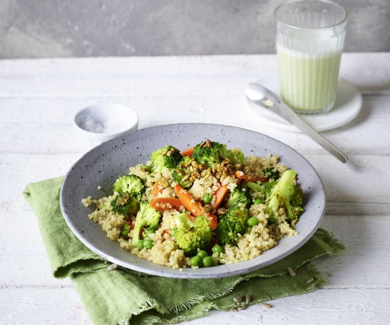 Quinoa-Salat mit Sonnenblumenkernen