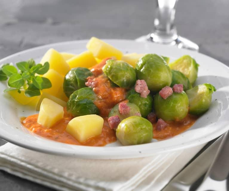 Rosenkohl mit Kartoffeln und Tomatensauce