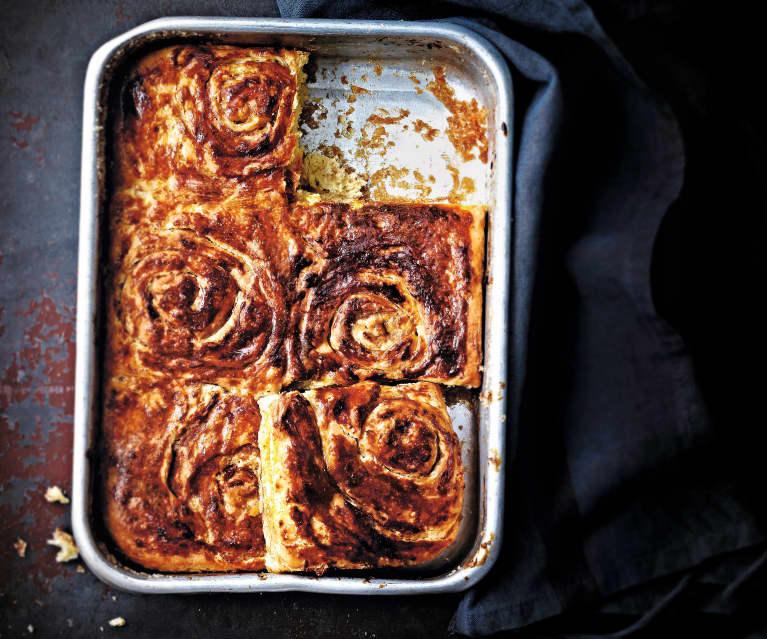 Petits pains roulés aux pommes et à la cannelle