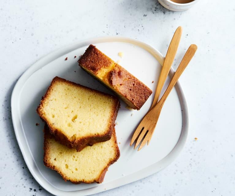 Getränkter Zitronencake extrasaftig