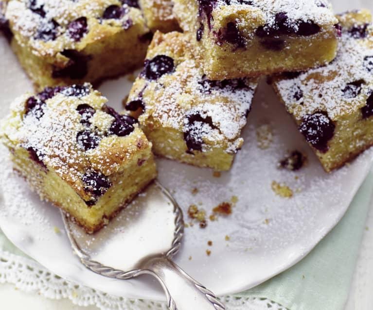 Blueberry and White Chocolate Traybake