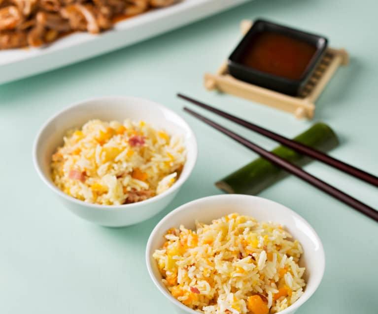 Arroz asiático con huevos