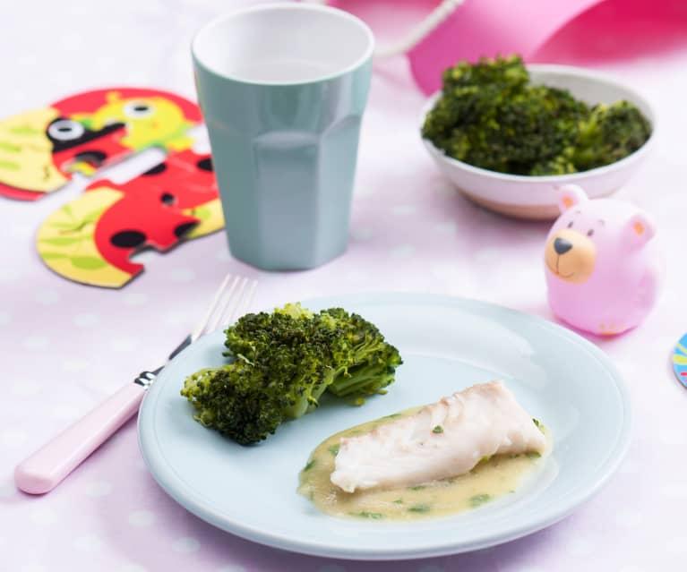 Filet z morszczuka w zielonym sosie z brokułami (dla dzieci)