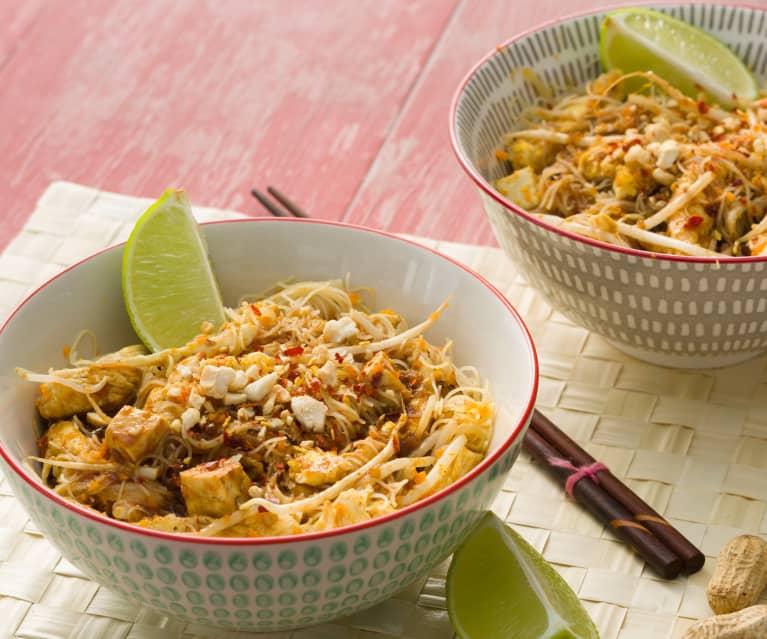 Pad thai de pollo - Tailandia