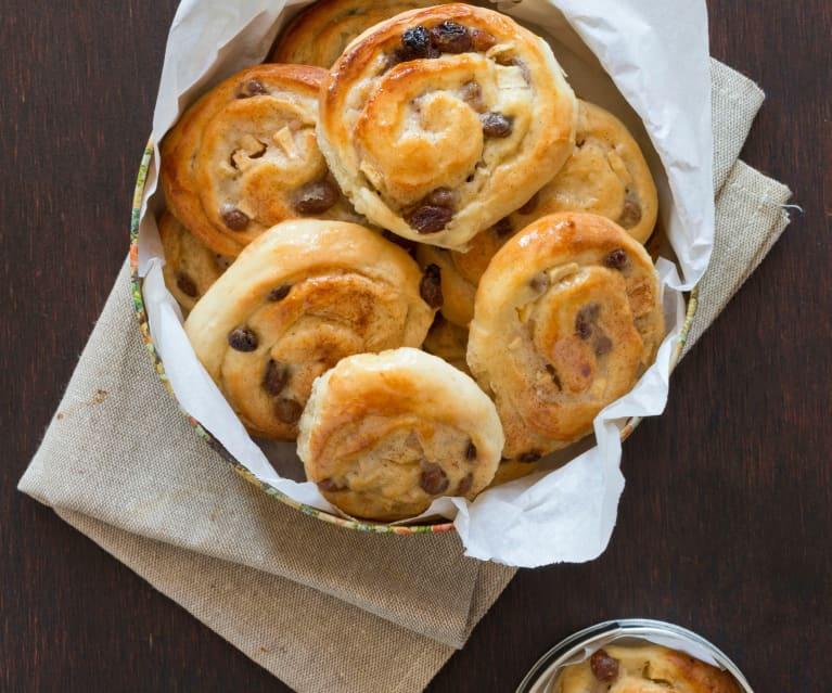 Sultana, apple and custard pastries