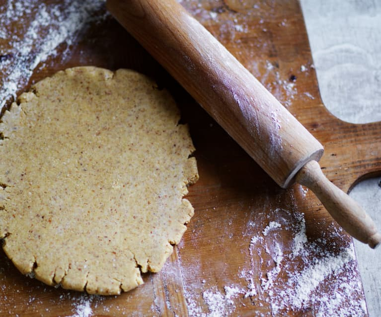 Almond quinoa pastry