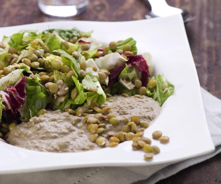 Linsen auf Blattsalat mit Linsencreme