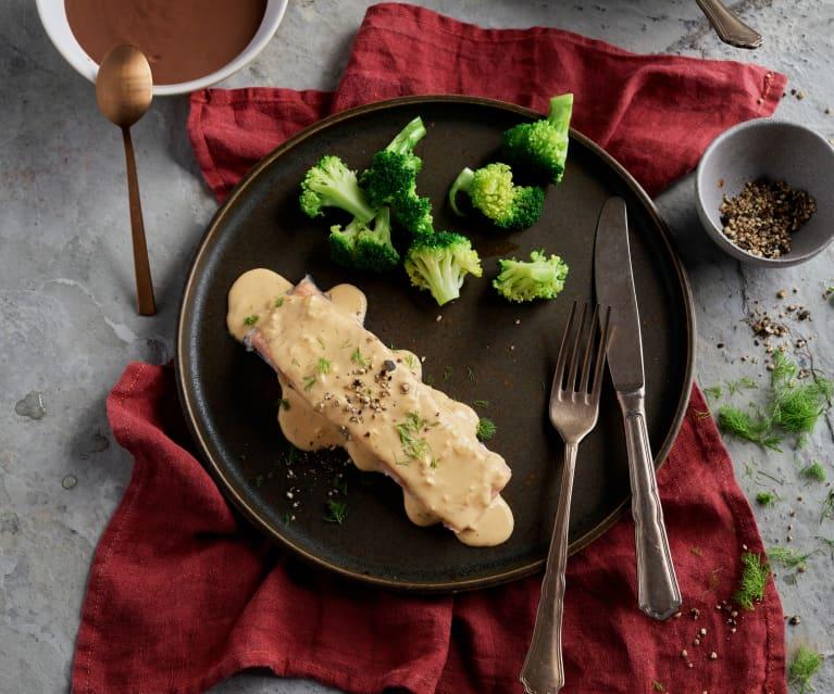 Menù: Salmone con salsa all'aneto, broccoli e riso; Dessert al cioccolato (Bimby Friend)
