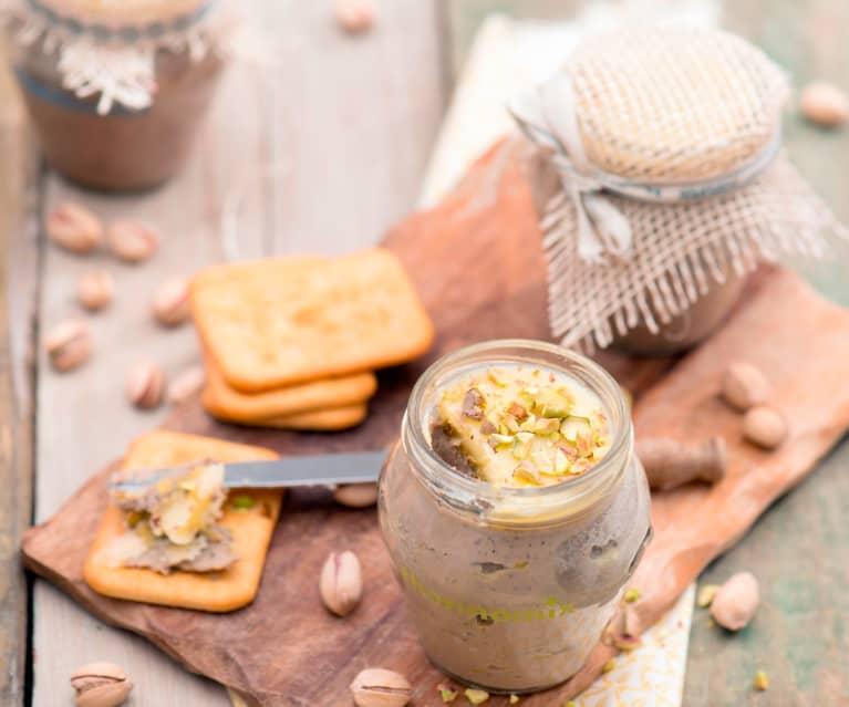 Pâté z wątróbek drobiowych z pistacjami