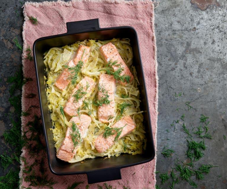 Salmão no forno com funcho e alho-francês