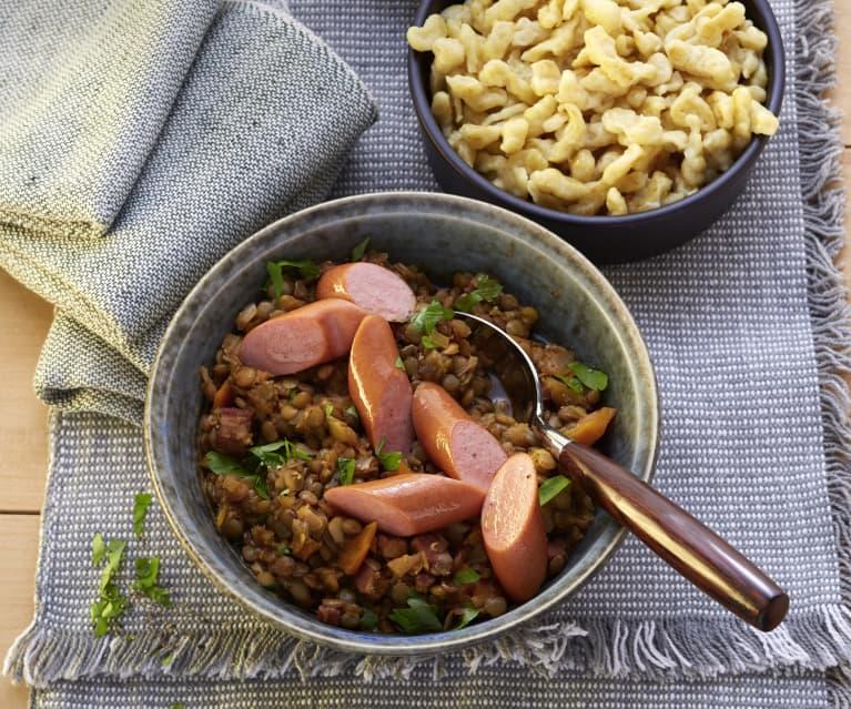 Linsen mit Spätzle und Wiener Würstchen