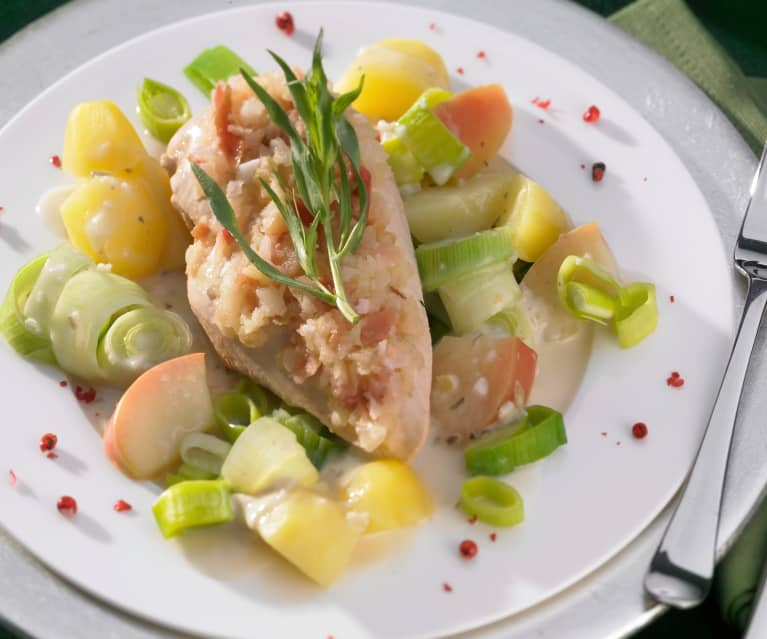 Putenschnitzel mit Kartoffeln und Apfel-Zwiebel-Sauce