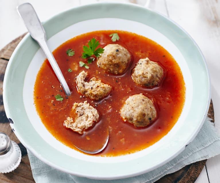Soupe à l'oignon rouge et boulettes de viande