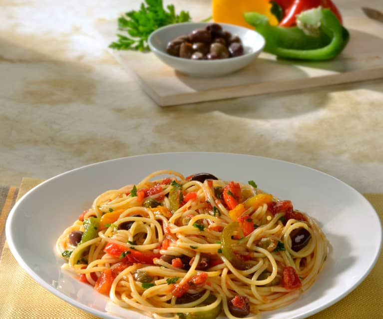 Espaguetis con pimientos
