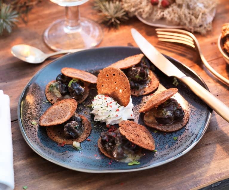 Croustillant de sarrasin aux escargots, crème à l'ail