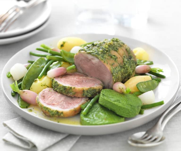 Canon d'agneau aux herbes, flan d'épinard et petits légumes