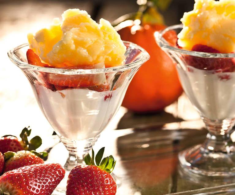 Fresas con granizado de naranja y yogur