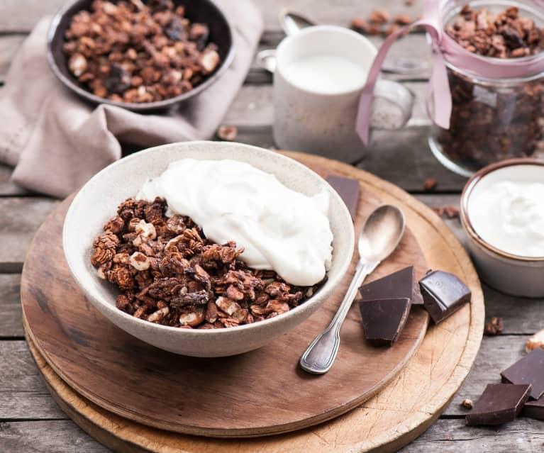 Čokoládovo-třešňová granola