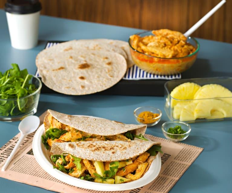 Tortillas integrales con pollo al curry, rúcula y piña