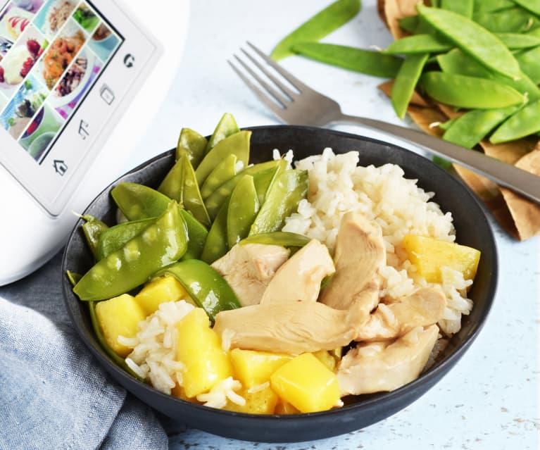 Poulet à l'ananas, pois gourmands et riz