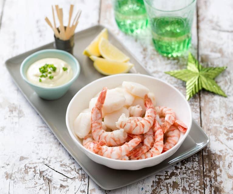 Steamed prawns or scallops