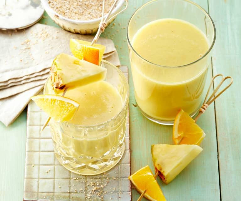 Ananas-Kokos-Smoothie mit Ingwer