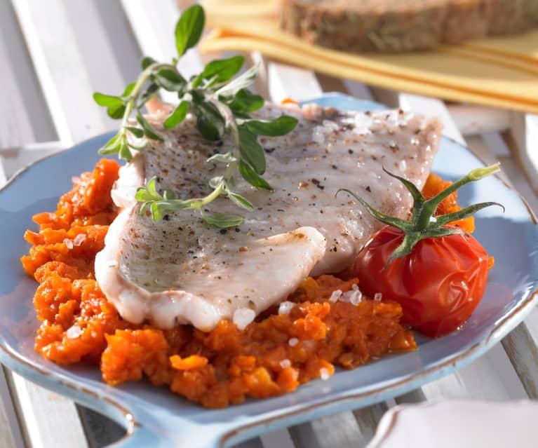 Fischfilet mit Tomatengemüse
