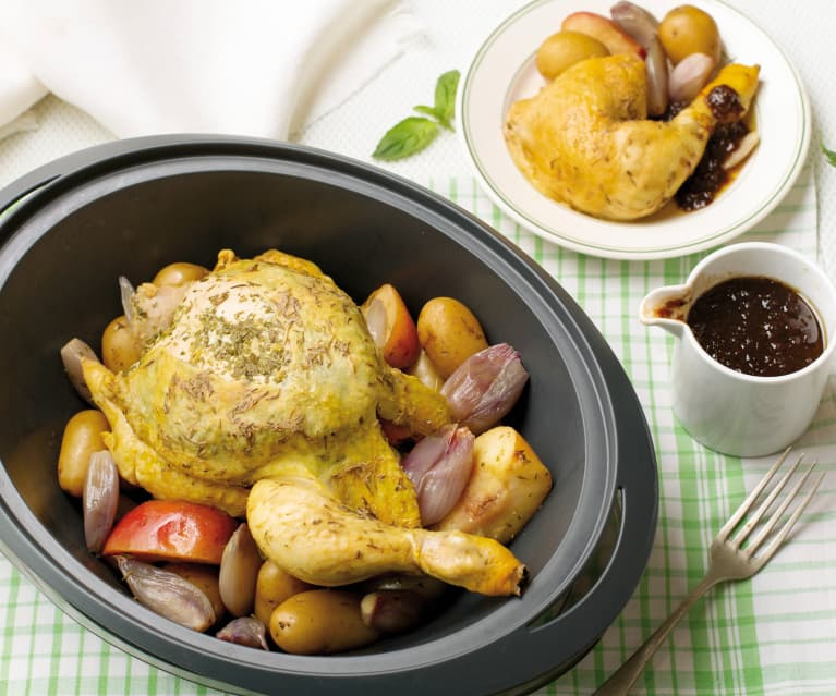 Pollo de corral al vapor con salsa de arándanos