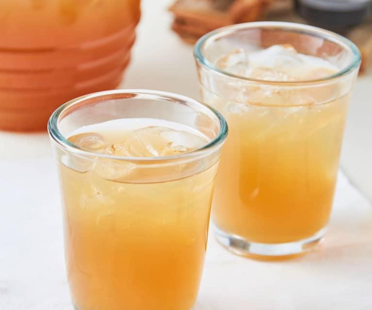 Agua de tamarindo y vainilla