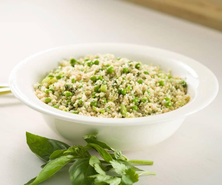 Quinoa con guisantes y pesto de almendras