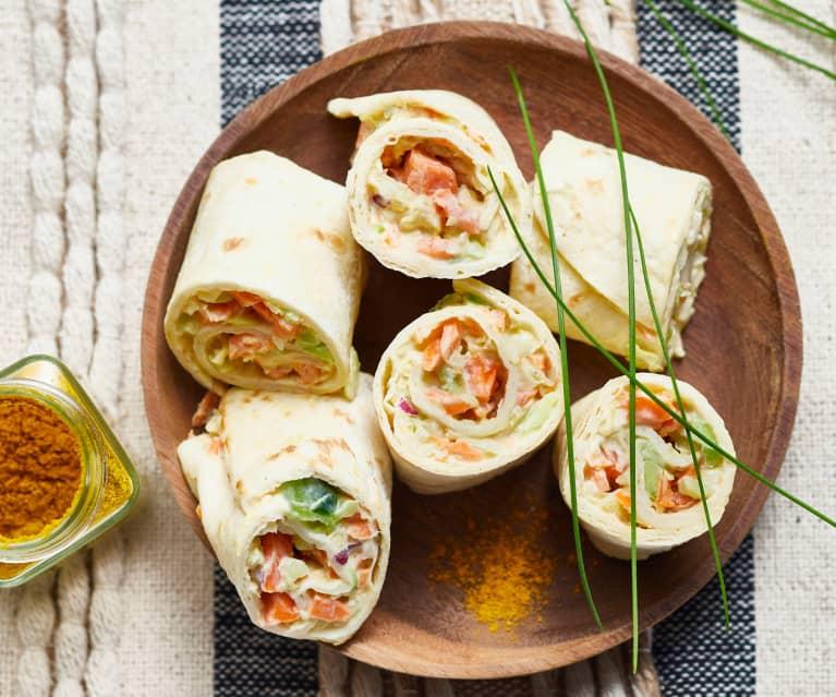 Wraps aux légumes croquants, sauce yaourt au curry