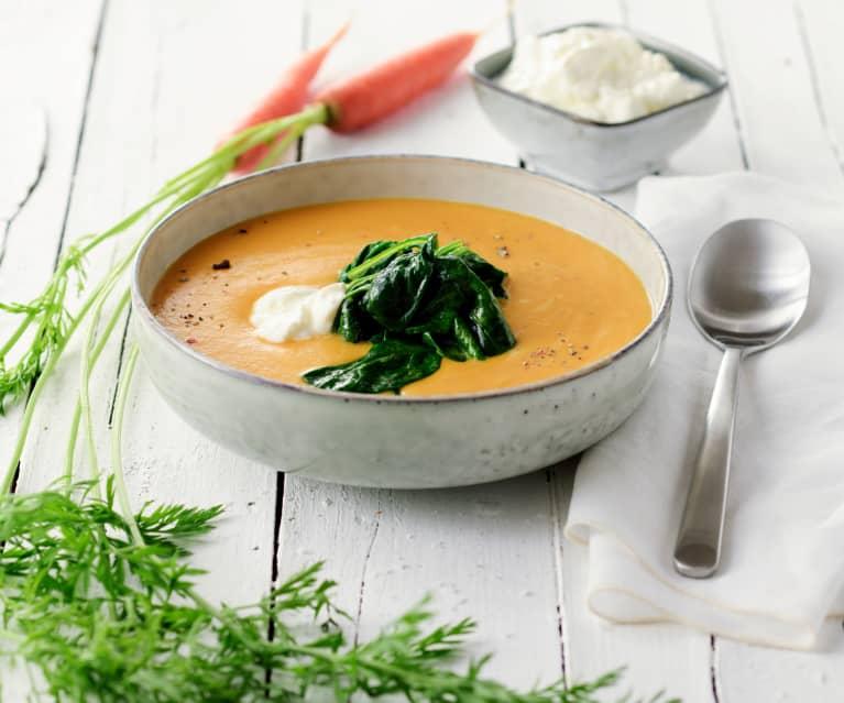 Cizrnová polévka s listovým špenátem